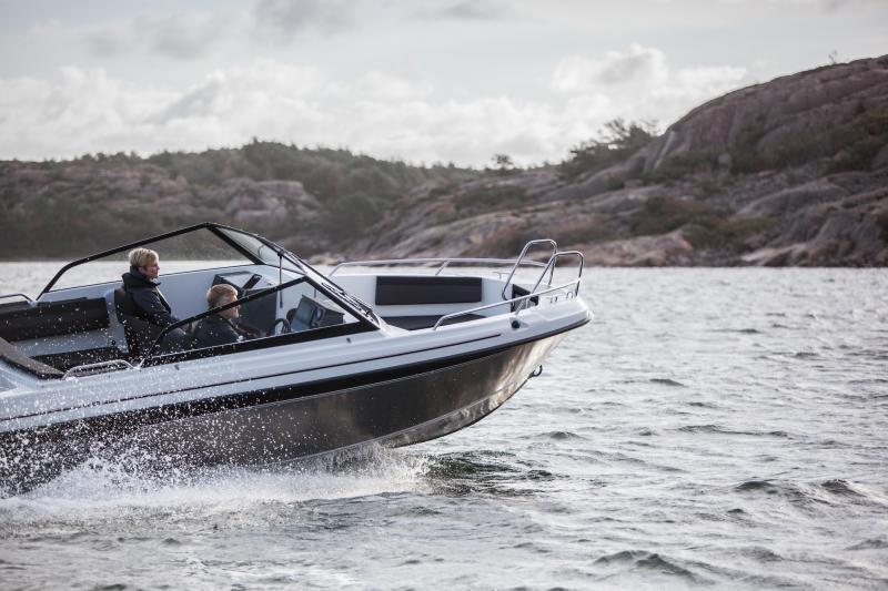 Koko Cross-mallisto on esillä Helsingin venemessuilla 2020