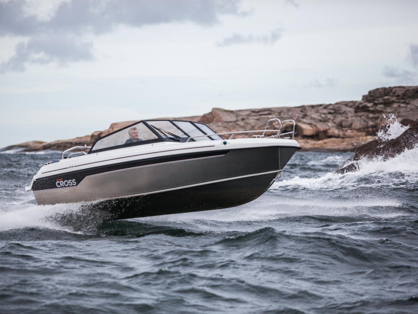 Aluminium Yamarin Cross 62 BR sporty all-round boat