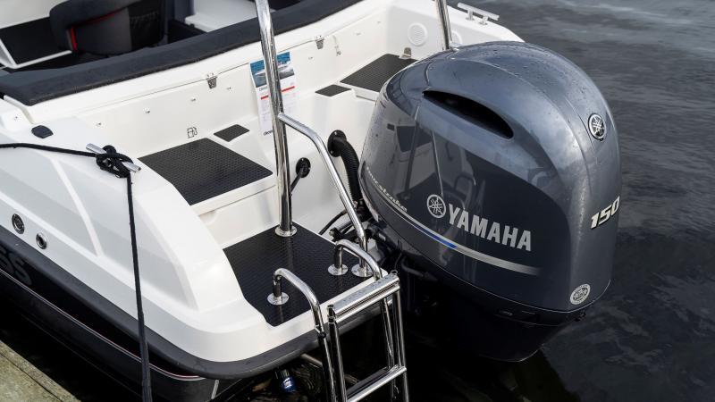 Cross 64 BR Yamaha F150 moottorilla